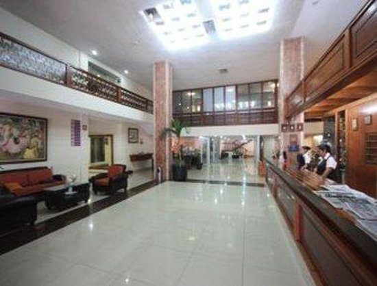 Howard Johnson Hotel - Veracruz : Lobby