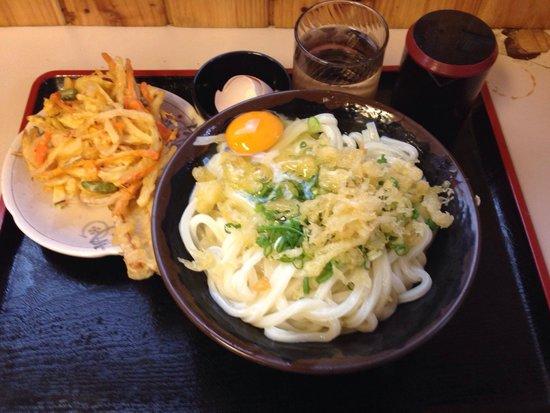 Udon Bakaichidai : 釜玉です。 とにかく、アツアツ、しこしこのうどんを食べれます。