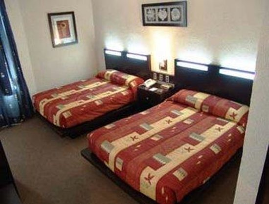 Howard Johnson Plaza Hotel Las Torres: 2 Double Bed Guest Room