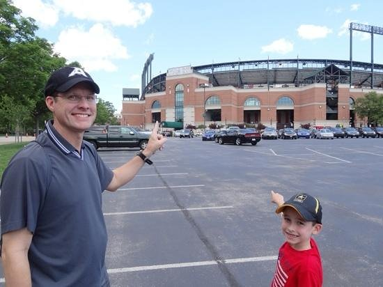Oriole Park at Camden Yards : brother and his son showing me where to go