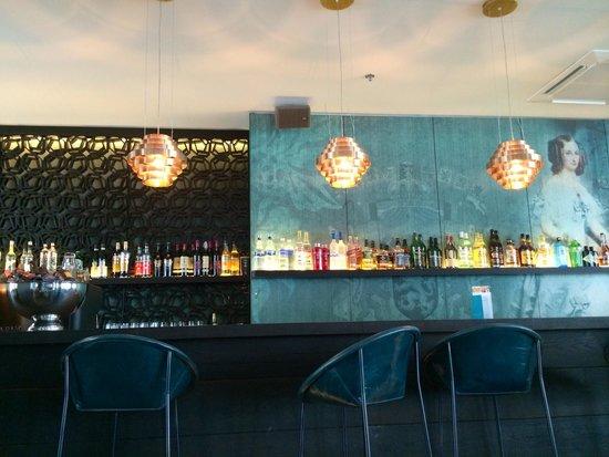 Motel One: Bar