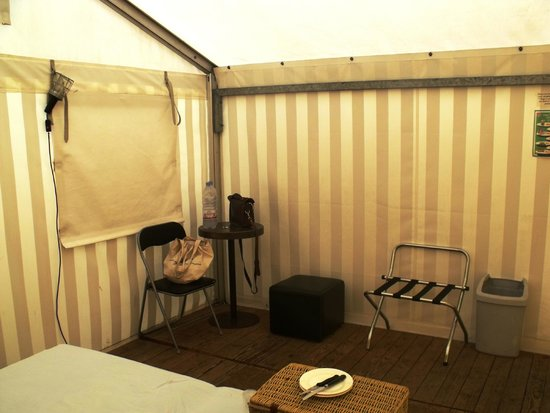 Balmers Tent Village: Large tent with table and storage