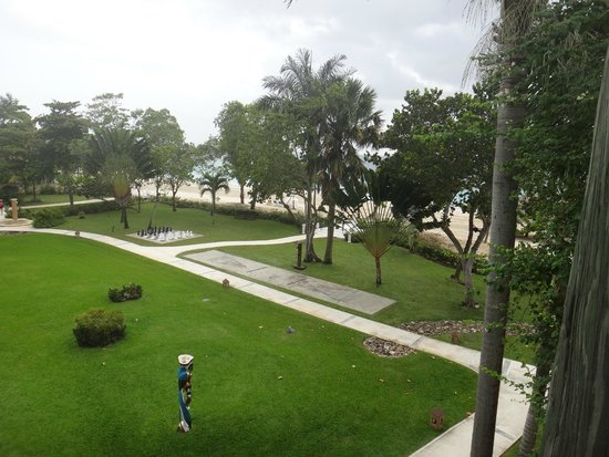 Beaches Negril Resort & Spa: Montepeliar area 800 block (awesome area)