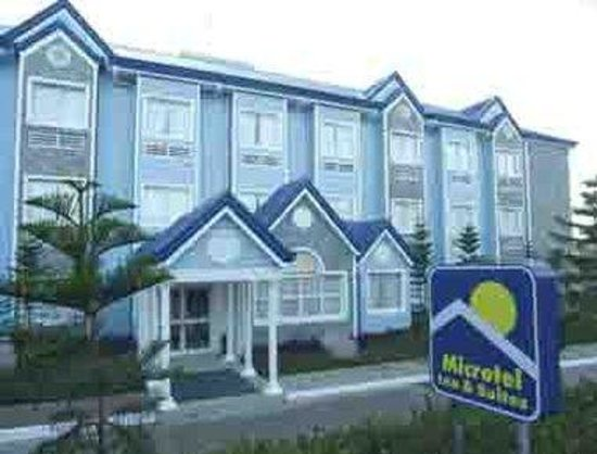 Microtel by Wyndham Baguio: Welcome to the Microtel Inn by Wyndham Baguio