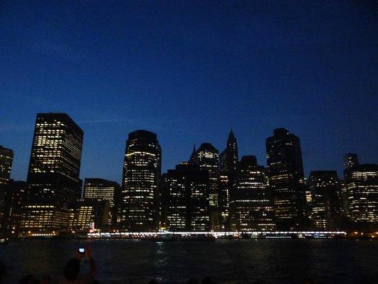 Manhattan Skyline: Anoitecer....