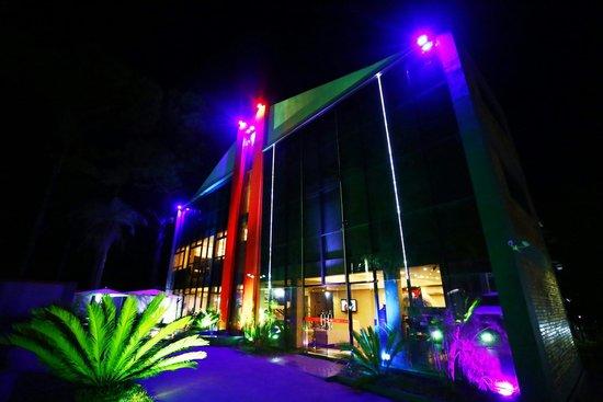 Fachada del sur hotel picture of del sur hotel museo for Hotel luxsur encarnacion