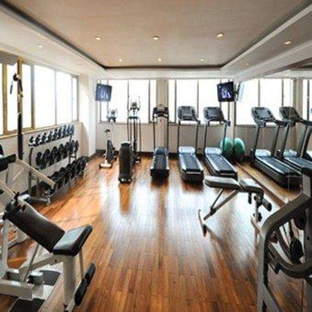 Windsor Plaza Hotel: Gym
