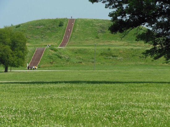 cahokia mounds state historic site essay Cahokia mounds world heritage site, collinsville, il 16k likes the remains of the most sophisticated prehistoric native civilization north of mexico.