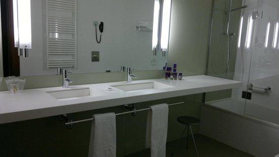 Parador de Caceres: Banheiro