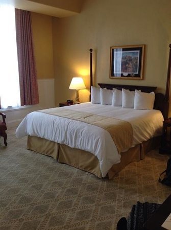 Federal Pointe Inn, an Ascend Hotel Collection Member: king suite room with whirlpool tub #208