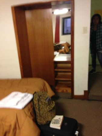 Antares Mystic Hotel: Small and dirty