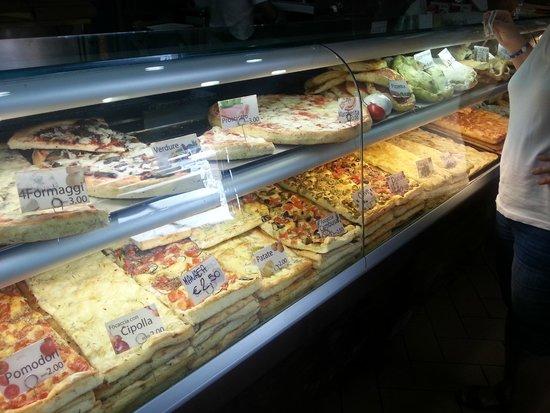 Pizzeria La Cambusa : I tried every slice