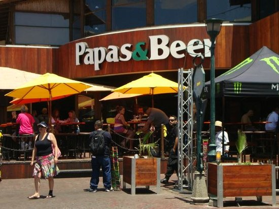 Papas & Beer Ensenada : It was tame around 11:50 am in the morning, but still busy for a bar on Hump-day.