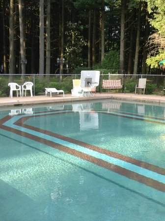 Lock 30 Woodlands RV Campground Resort: The pool!