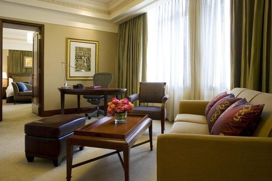 The Hongta Hotel, A Luxury Collection Hotel, Shanghai : Living Room Of Grande Luxe Suite