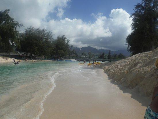 Kailua Beach Park: shallow inlet