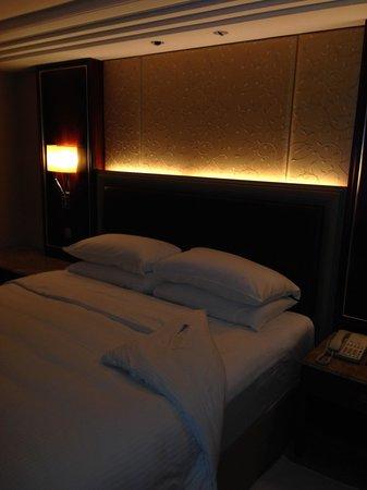 Kowloon Shangri-La Hong Kong: Nice room