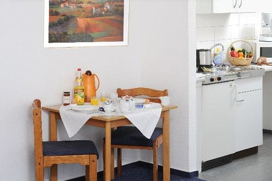 acora Hotel and Living Karlsruhe: TOP acora Karlaruhe_Superior Double Kitchenette