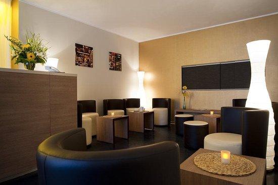 Berliner Hof Hotel: Berliner Hof Lobby