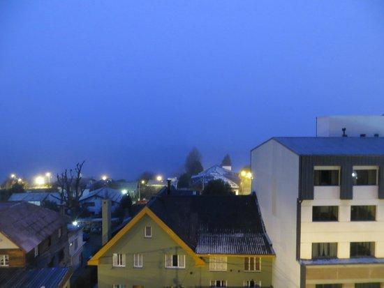 NH Bariloche Edelweiss: Vista do quarto  cedo!