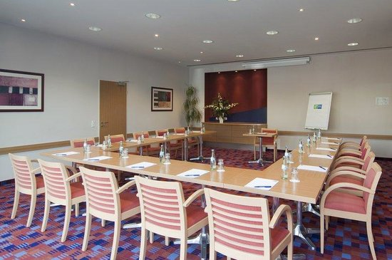 Holiday Inn Express Koln-Mulheim : Ideal for small meetings and trainings - our conference room