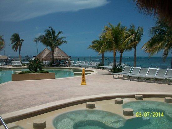 Cancun Bay Resort: piscina