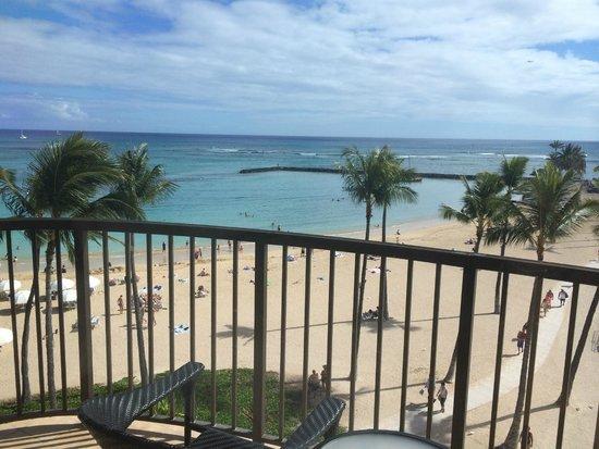 Hilton Hawaiian Village Waikiki Beach Resort : View from the Rainbow Tower balcony