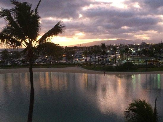 Hilton Hawaiian Village Waikiki Beach Resort: View of lagoon from the balcony