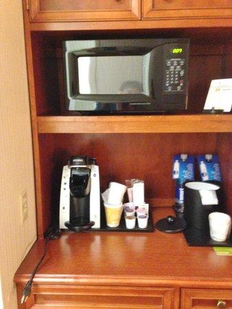 Hilton Garden Inn Milwaukee Park Place : Microwave available