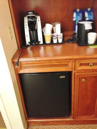 Hilton Garden Inn Milwaukee Park Place : Refrigerator available