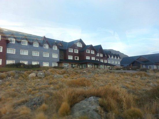 Alto Calafate Hotel Patagonico: Vista de afuera del hotel