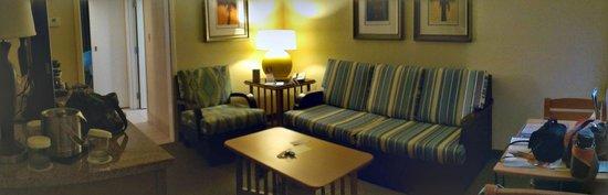 DoubleTree Suites by Hilton Melbourne Beach Oceanfront: Livining Area
