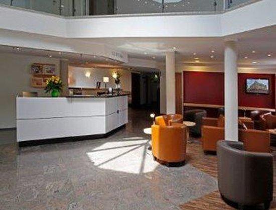H+ Hotel Leipzig: Lobby