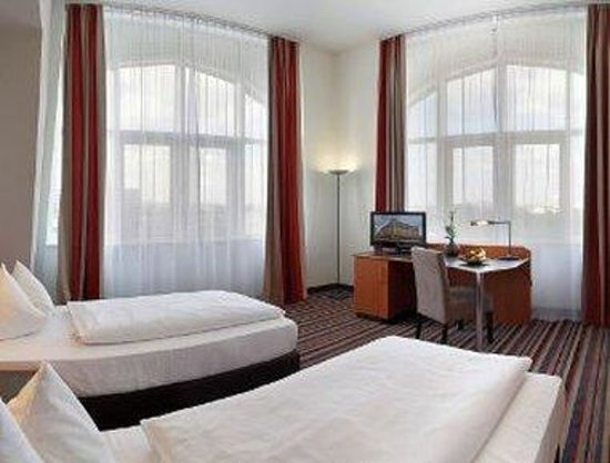 H+ Hotel Leipzig: Business Room