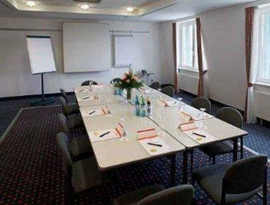 Ramada Leipzig City Centre: Conference Room