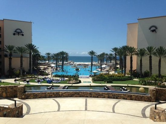 Hyatt Ziva Los Cabos: View to the Ocean from the Open Air Lobby