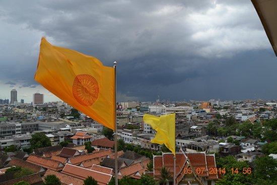 The Golden Mount (Wat Saket): Вид с Ват Сакет.