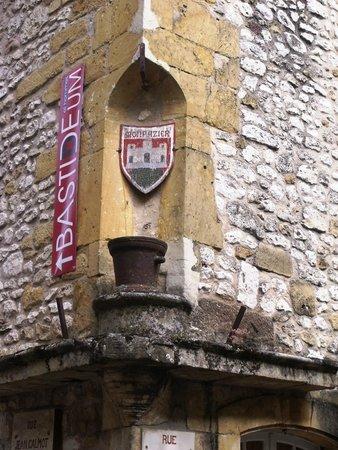 Hotel-Restaurant Edward 1er : Historic village