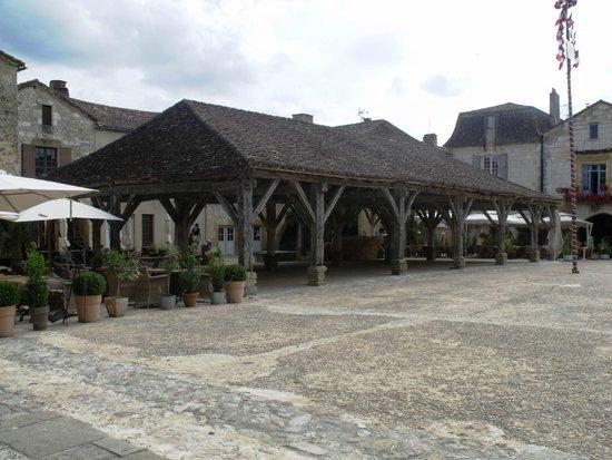 Hotel-Restaurant Edward 1er : Village square