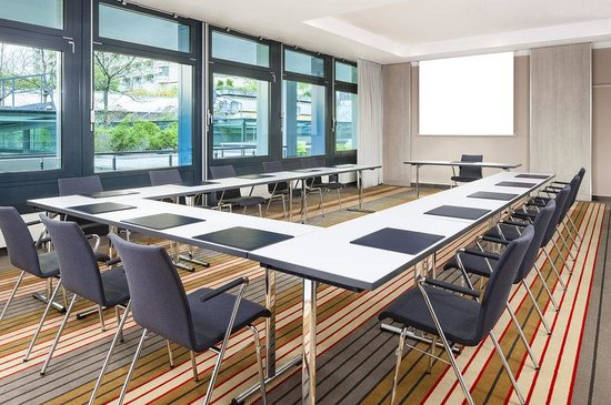 Four Points by Sheraton Munchen Central: Meeting Room