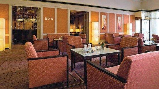 Centro Hotel Bristol: Lobby & Bar