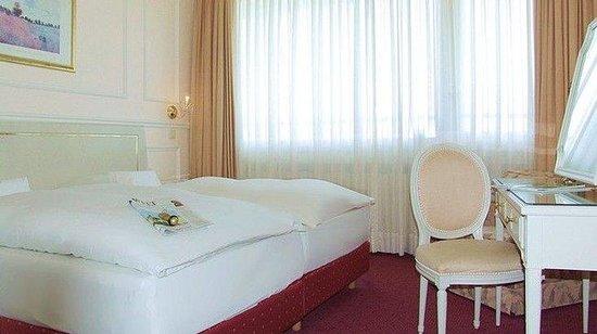 Günnewig Hotel Bristol: Suite, Schlafzimmer