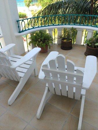 Franklyn D Resort & Spa: Patio