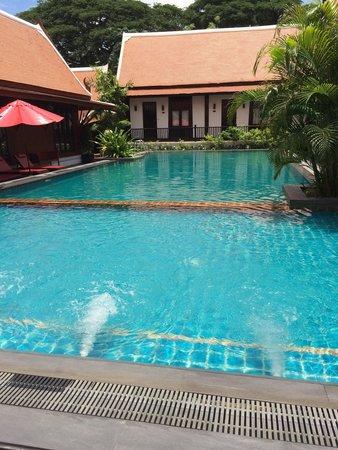 Legendha Sukhothai: Swim pool