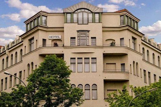 Olivaer Apart Hotel am Kurfurstendamm : Exterior