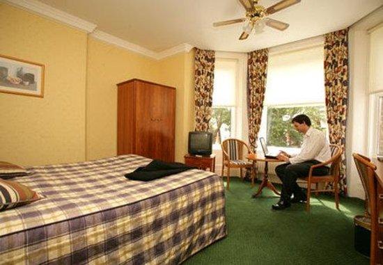 Elstead Hotel: Guest Bedroom