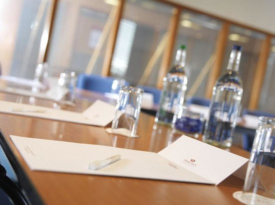 Crowne Plaza Chester: Roodee Suite
