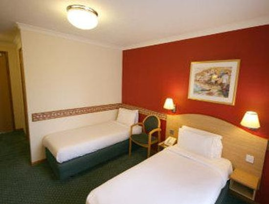 Days Inn Leicester Forest East M1: One Twin Bed With Sofa