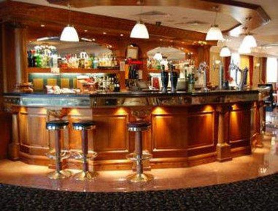 Ramada London South Ruislip: Hotel Bar