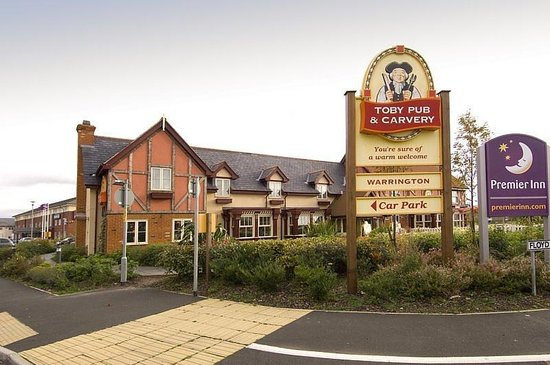 Premier Inn Warrington North East Hotel: Exterior